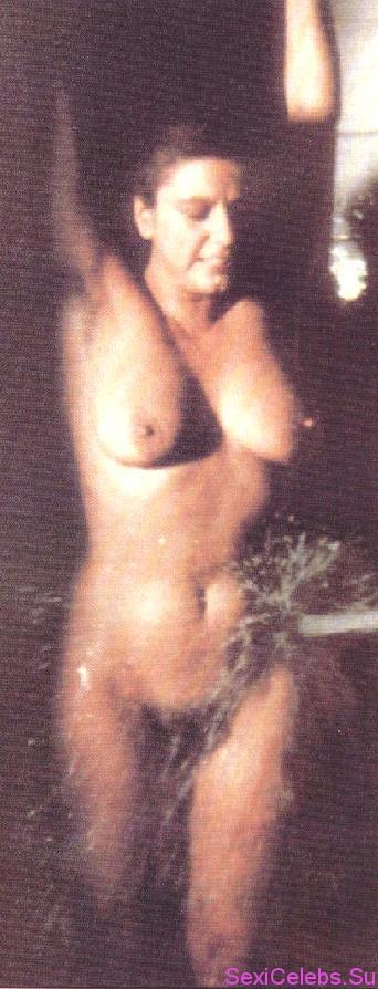 Фото голая стефания сандрелли